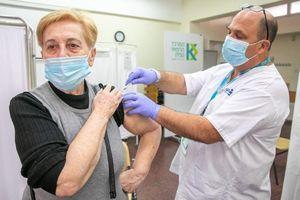 Tại sao cánh tay bị đau khi tiêm chủng?