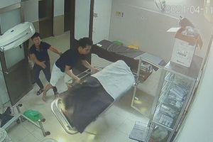 Bệnh nhân và người nhà hành hung y, bác sĩ tại bệnh viện
