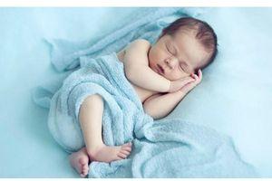 Hy hữu: Cậu bé đầu tiên trên thế giới có 3 dương vật
