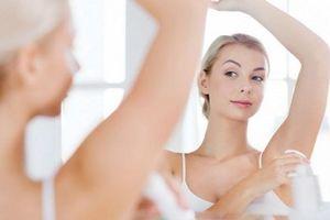 5 sai lầm nhiều người mắc phải khi dùng lăn khử mùi