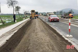 Tới giữa tháng 5, sẽ hoàn thành khắc phục hư hỏng trên quốc lộ 1A đoạn qua Hà Tĩnh