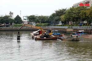 Kênh Nhiêu Lộc - Thị Nghè tái ô nhiễm vì rác thải sau mưa lớn kéo dài
