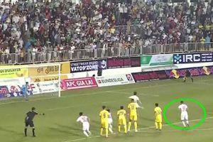 Bàn thắng ấn định 4-3 của HAGL trước Nam Định không hợp lệ