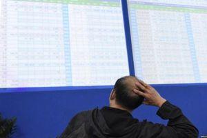 VIC 'cứu' VN-Index khỏi đà trượt dốc, thanh khoản khớp lệnh sàn HoSE tiếp tục phá đỉnh