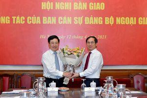 Tân Bộ trưởng Ngoại giao, Bộ trưởng Giáo dục và Đào tạo nhận nhiệm vụ