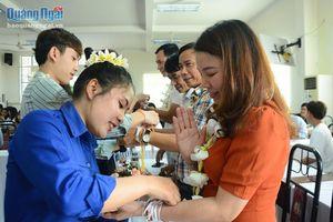 Mừng Tết Bunpimay cho sinh viên Lào