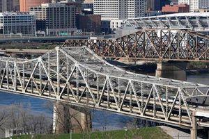 Số phận long đong của cây cầu qua nhiều đời Tổng thống Mỹ vẫn tiếp tục dang dở