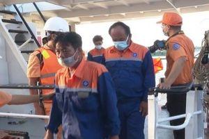 Vũng Tàu: Cứu nạn thành công 6 thuyền viên bị chìm trên biển