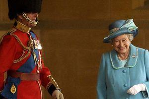 Cựu quản gia tiết lộ biệt danh Hoàng thân Philip dành cho Nữ hoàng