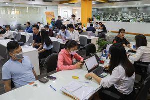 Mỗi ngày thị trường chứng khoán Việt đón thêm hàng nghìn 'nhà đầu tư F0'