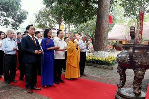 Dâng hương tưởng niệm, tri ân vị Vua anh minh có công với đất nước và Thăng Long - Hà Nội