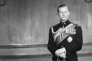 Hoàng thân Philip, một thế kỷ thăng trầm cùng Hoàng gia