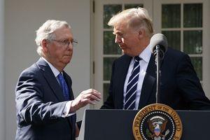 Ông Trump liên tục xúc phạm lãnh đạo đảng Cộng hòa