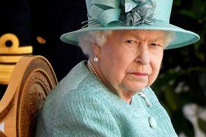 Nữ hoàng Anh lần đầu tái xuất sau khi Hoàng thân Philip qua đời