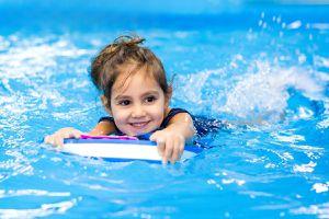 Lợi ích khi cho trẻ đi bơi