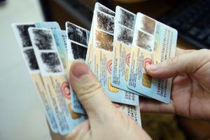 Vụ thu 100.000 đồng làm CCCD gắn chip: Thêm 3 công an bị tạm đình chỉ