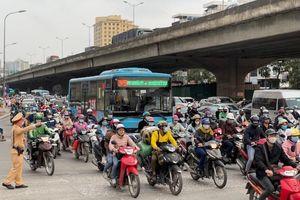 Thi công không đúng giấy phép gây ùn tắc giao thông