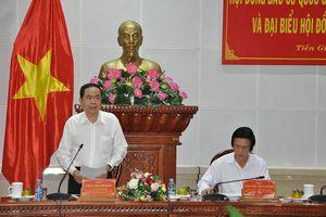 Đồng chí Trần Thanh Mẫn kiểm tra công tác chuẩn bị bầu cử tại tỉnh Tiền Giang
