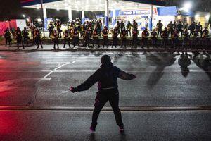 Bạo loạn bùng nổ ở Mỹ
