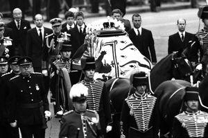 Những quy tắc tổ chức tang lễ của Hoàng gia Anh