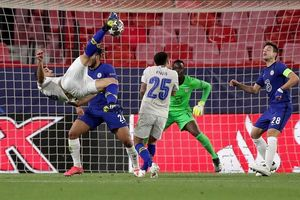 Chelsea vào bán kết Cup C1 dù thua bởi siêu phẩm của Porto
