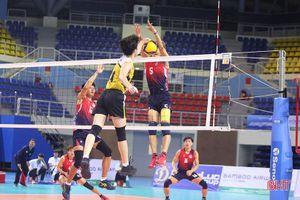 Giải bóng chuyền VĐQG: Hà Tĩnh bại trận trước Tràng An Ninh Bình