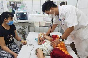 Cảnh báo nhiều trẻ mắc bệnh tay chân miệng khi chuyển sang Hè