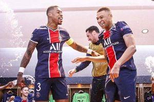 PSG ăn mừng tưng bừng sau khi vào bán kết Champions League
