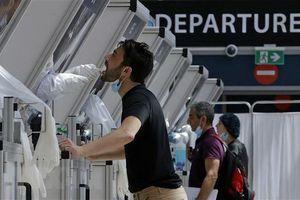 EU hướng tới sử dụng 'hộ chiếu vaccine' để mở cửa du lịch Hè 2021