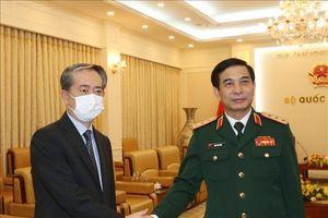 Bộ trưởng Bộ Quốc phòng Phan Văn Giang tiếp Đại sứ Trung Quốc Hùng Ba
