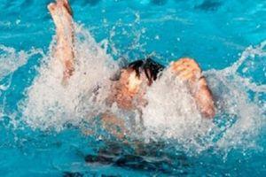 Học sinh lớp 3 đuối nước thương tâm khi tắm sông ở Nghệ An