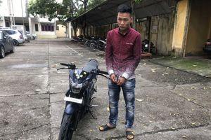 Bắc Giang: Bắt đối tượng cướp giật túi xách của người dân