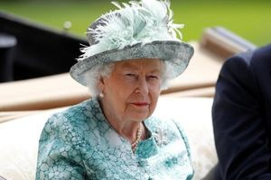 Nữ hoàng Elizabeth trở lại công việc Hoàng gia, chỉ 4 ngày sau khi Hoàng thân Philip qua đời
