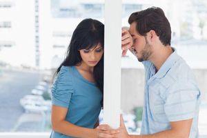 Những sai lầm trong lúc cãi nhau khiến tình cảm vợ chồng rạn nứt