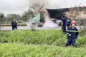 Bắc Giang: Kịp thời dập tắt vụ cháy xe tải trên cao tốc Hà Nội - Bắc Giang