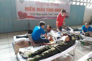 Trung đoàn Cảnh sát cơ động Đông Nam bộ hiến 300 đơn vị máu