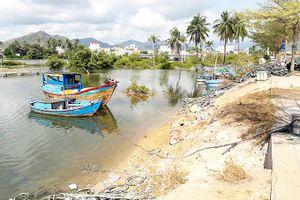 Vạn Ninh: Đầu tư kè sông Hiền Lương