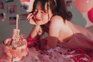 Học trò Tóc Tiên 'bật mí' sẽ tung ca khúc mới mừng sinh nhật lần thứ 23