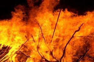 Lớp học lợp bằng rơm rạ cháy lớn, 20 trẻ mầm non thiệt mạng