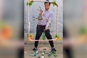 Bậc thầy cân bằng biểu diễn tuyệt kỹ xếp đồ ở Trung Quốc