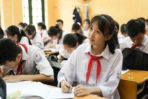 Trước ngày 28-5, học sinh nhận Giấy chứng nhận tốt nghiệp trung học cơ sở tạm thời