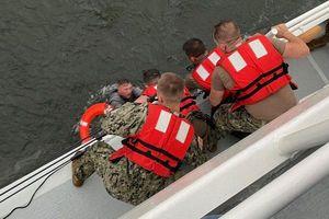 Mỹ: Lật tàu khiến nhiều người mất tích