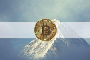 Giá Bitcoin hôm nay ngày 14/4: Coinbase chính thức niêm yết trên sàn Nasdaq, giá Bitcoin lập đỉnh kỷ lục mới trên 64.000 USD