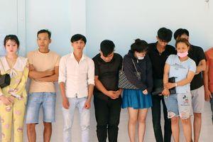 17 thanh niên bay lắc trong nhà nghỉ