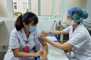 Bảo đảm an toàn khi triển khai tiêm vắc-xin phòng Covid-19 trên diện rộng