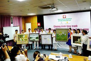Quỹ tranh Butta Sweet Life trao tặng 35 bức tranh cho Bệnh viện Châm cứu Trung ương
