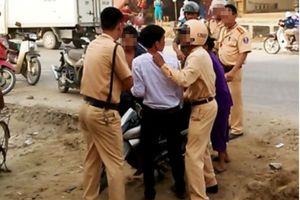 Bắc Giang: Tạm giữ đối tượng say rượu tấn công lực lượng cảnh sát giao thông