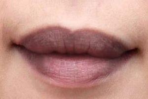 6 công thức đơn giản nhất giúp môi hồng không cần son