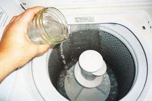 Đổ thứ này vào máy giặt đảm bảo quần áo diệt sạch vi khuẩn, quần áo trắng sáng như mới