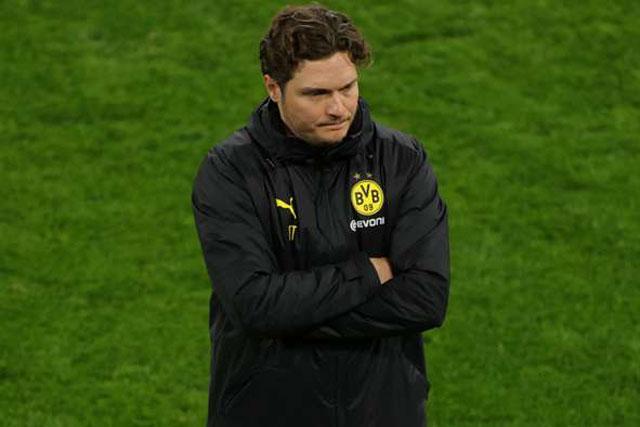 HLV Dortmund bất bình vì quyết định thổi penalty của trọng tài